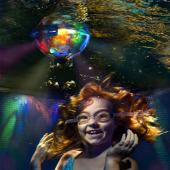The effects underwater are spectacular!